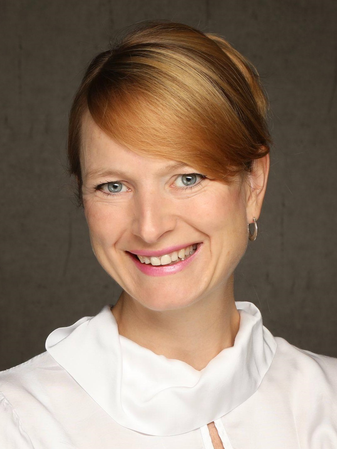 Julia Ollenschlaeger